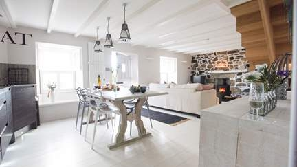 Mill Leat - Mousehole, Sleeps 4 in 2 Bedrooms