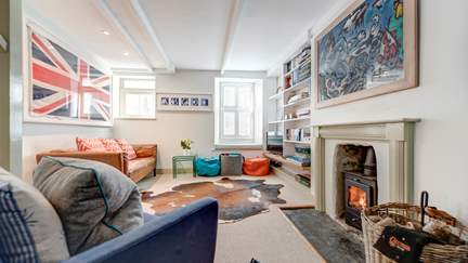 The Beach House, Mousehole - Mousehole, Sleeps 4 + 2 cots in 3 Bedrooms