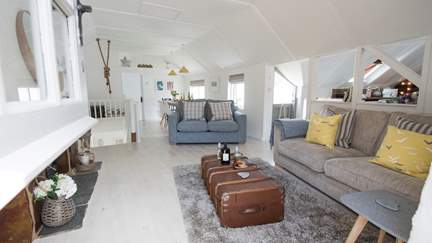 Creel Cottage  - Mousehole, Sleeps 5 + cot in 3 Bedrooms