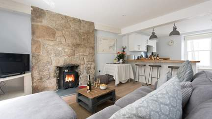 Keep Cottage - Mousehole, Sleeps 4 + cot in 2 Bedrooms
