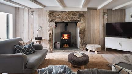 Mill House, Mousehole - Mousehole, Sleeps 5 + cot in 3 Bedrooms