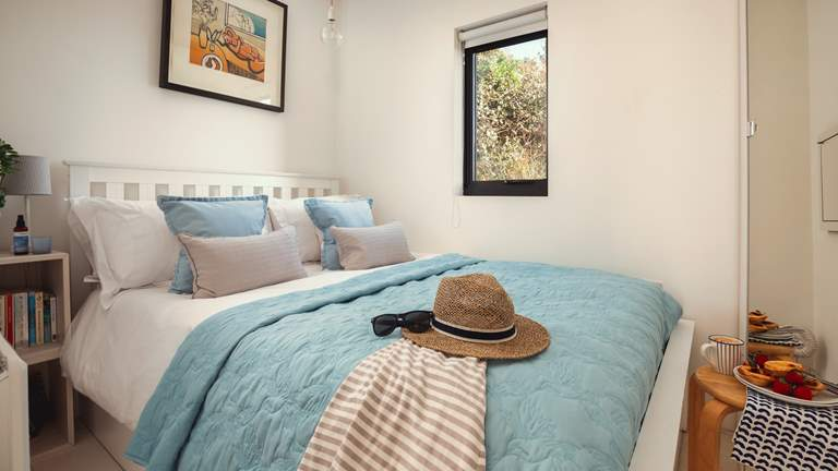 Sealight - Sleeps 2 + cot - Whitsand Bay