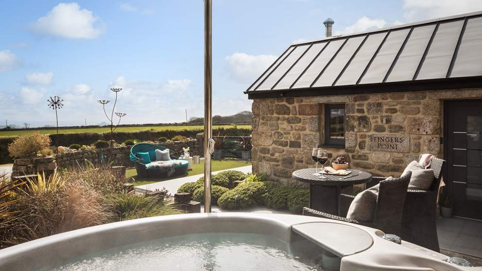 The bubbling hot tub awaits at Finger's Point...bliss!