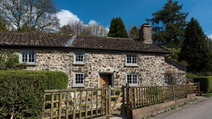 10 Brushford - 1.5 miles S of Dulverton, Sleeps 2 in 1 Bedroom