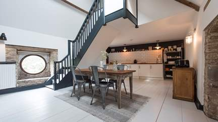 Ropewalk Cottage - Bruton, Sleeps 4 + cot in 2 Bedrooms