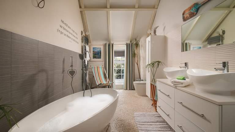Lottie's Cottage - Sleeps 4 + cot - Perranporth