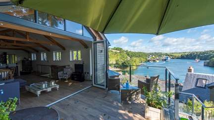 The Old Printworks - Fowey, Sleeps 6 + cot in 3 Bedrooms