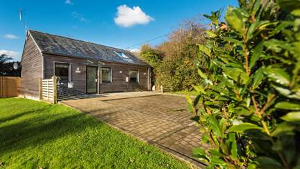 Willow at The Emerald - 4.1 miles NW of Falmouth, Sleeps 2 + cot in 1 Bedroom