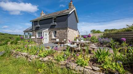 Rosewall Cottage - 1.5 miles SW of St Ives, Sleeps 6 + cot in 3 Bedrooms