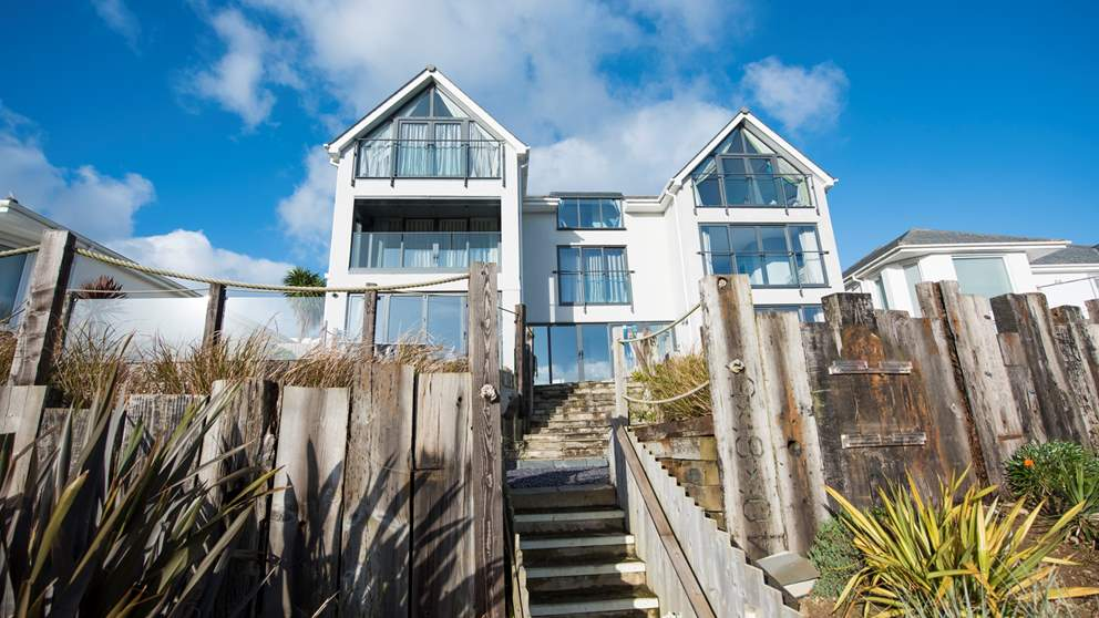 Big really is beautiful with this stunning seaside getaway, perfect for a luxury stay in Cornwall.