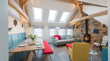 Iris - St Ives, Sleeps 4 + cot in 2 Bedrooms