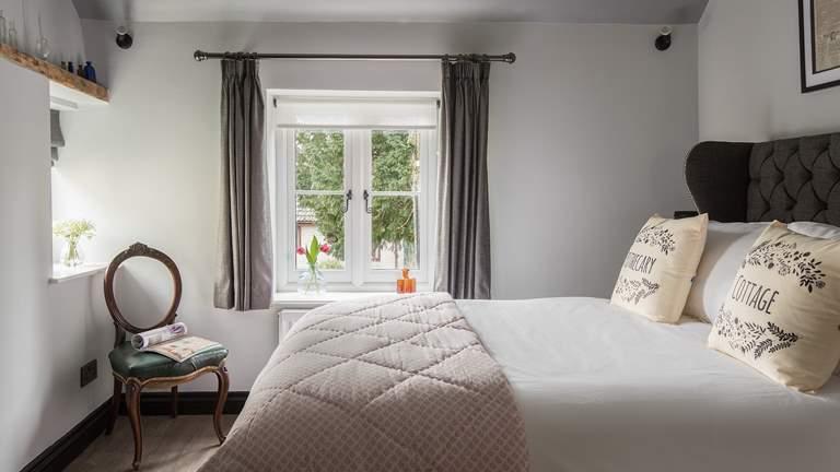 Apothecary Cottage - Sleeps 2 - Wedmore
