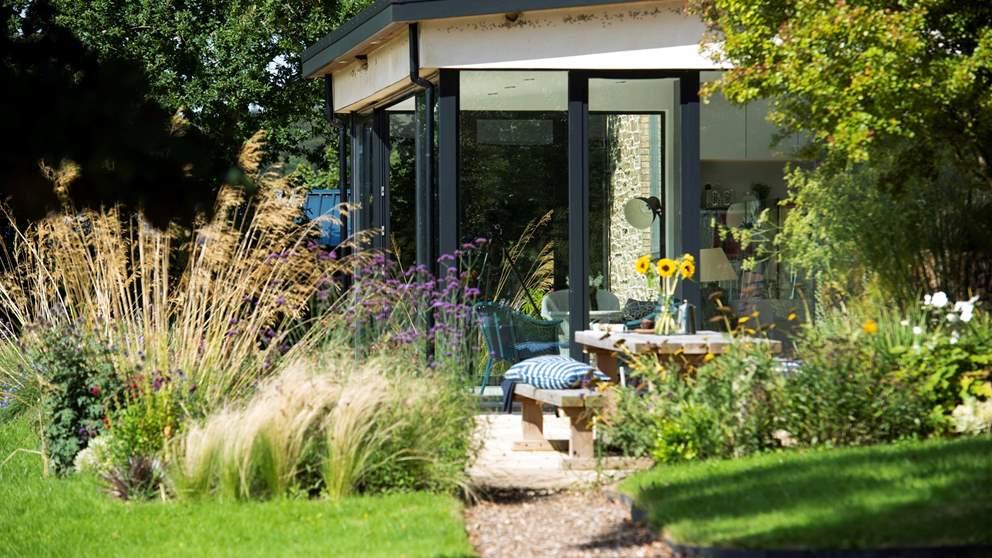 Plenty of outdoor space to soak up the Cornish sunshine.