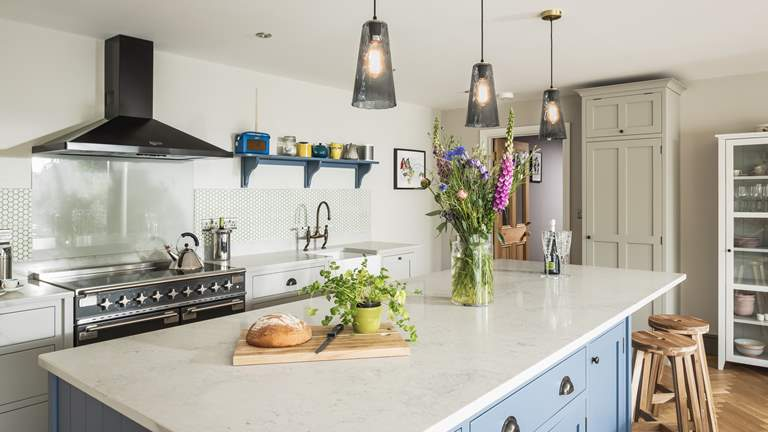 The Stables - Sleeps 6 + cot - Near Cardigan