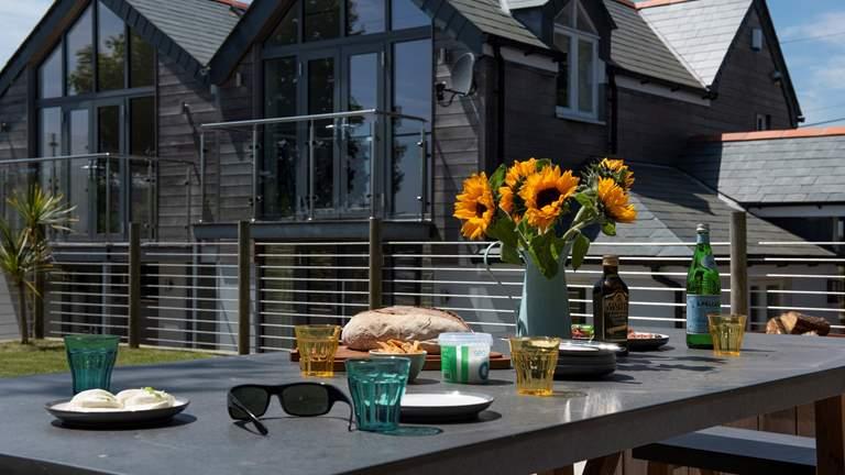 Pendower Beach House - Sleeps 8 + cot - Portscatho