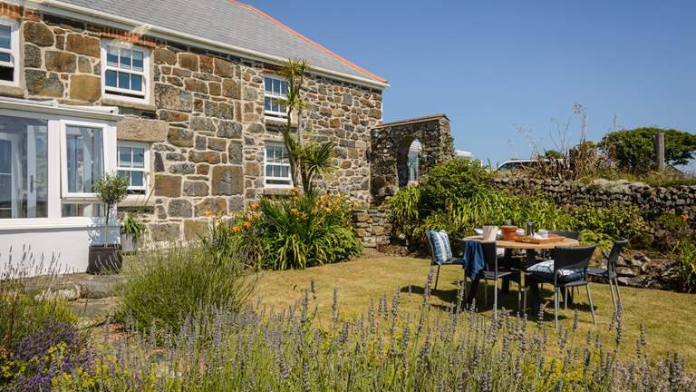 Lyonesse - Sleeps 6 + cot - Mullion