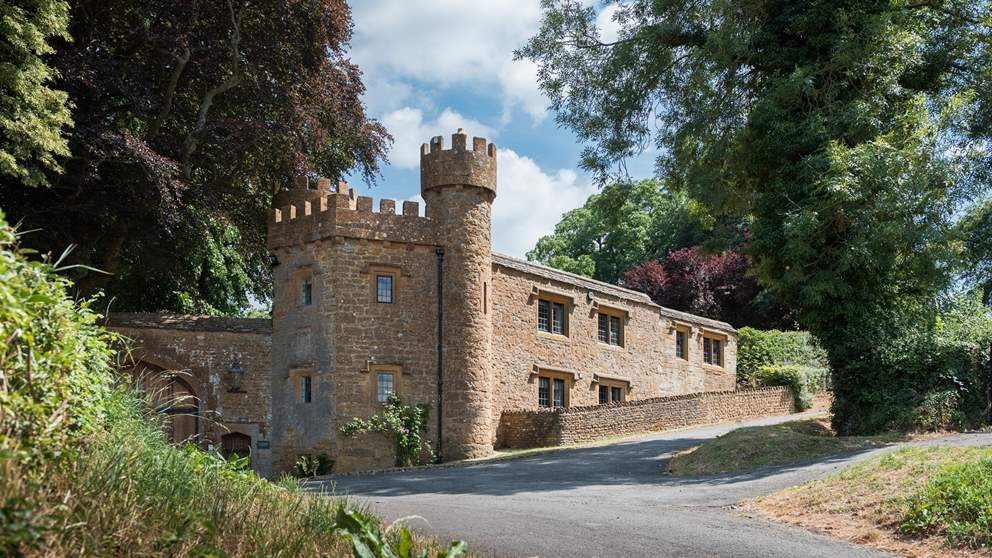 This 18th century gate lodge is straight out of a fairy tale.