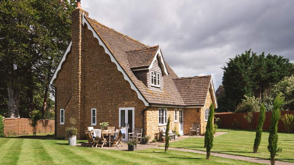 Pretty Nursery Cottage, our exquisite retreat for six in Somerset