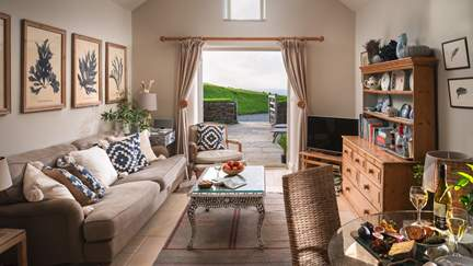 Tremanon - 1 mile E of Trebarwith Strand, Sleeps 4 + cot in 2 Bedrooms