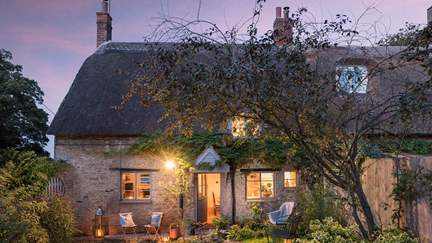 Greenside Cottage - North Aston, Sleeps 4 + cot in 2 Bedrooms