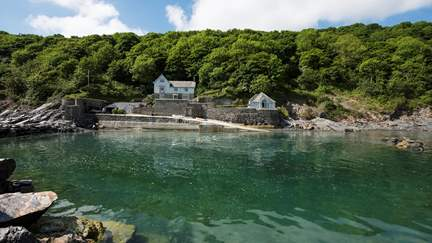 Ropehawn - 6 miles W of Fowey, Sleeps 8 + 2 cots in 4 Bedrooms