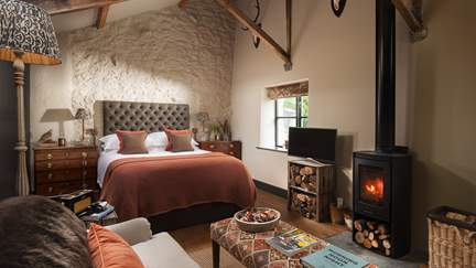 The Bothy - 2.6 miles SW of Chagford, Sleeps 2 in 1 Bedroom