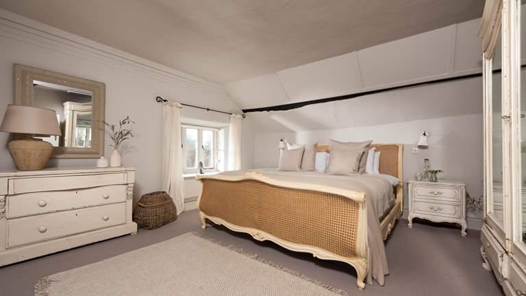 Seatown Farmhouse - Sleeps 6 + cot - Lyme Regis