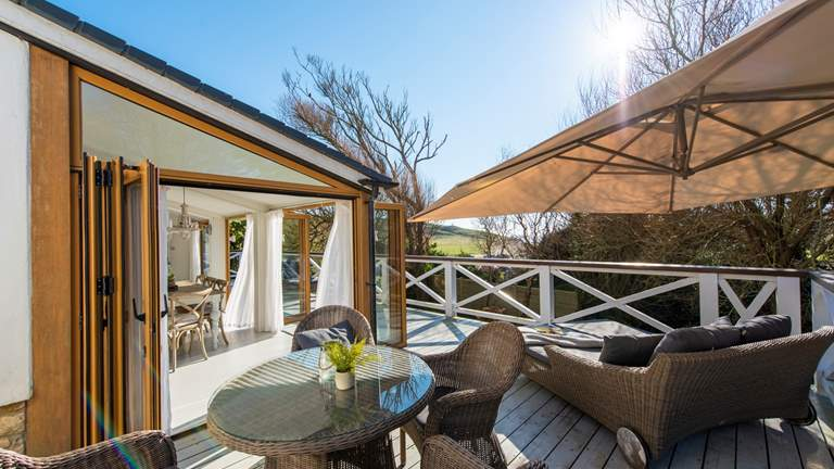 Seatown Farmhouse - Sleeps 6 + cot - Lyme Regis