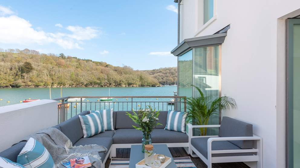 The Glass House, our luxury holiday home in Fowey, with exquisite riverside views