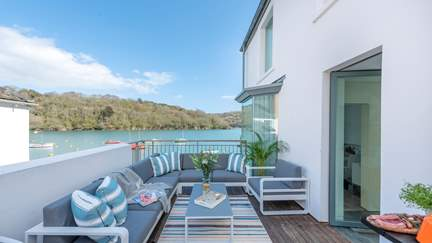 The Glass House - Fowey, Sleeps 6 + cot in 3 Bedrooms