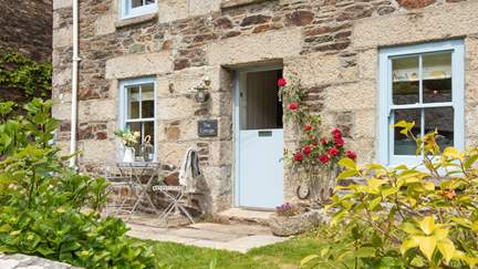 Navas Nook - Port Navas, Sleeps 6 + cot in 3 Bedrooms