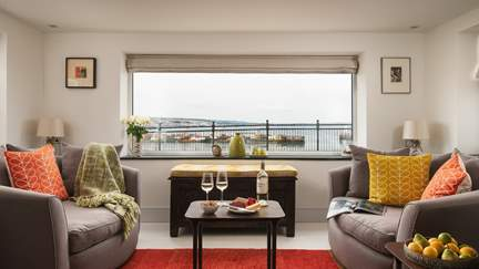 Meris - Newlyn, Sleeps 4 in 2 Bedrooms