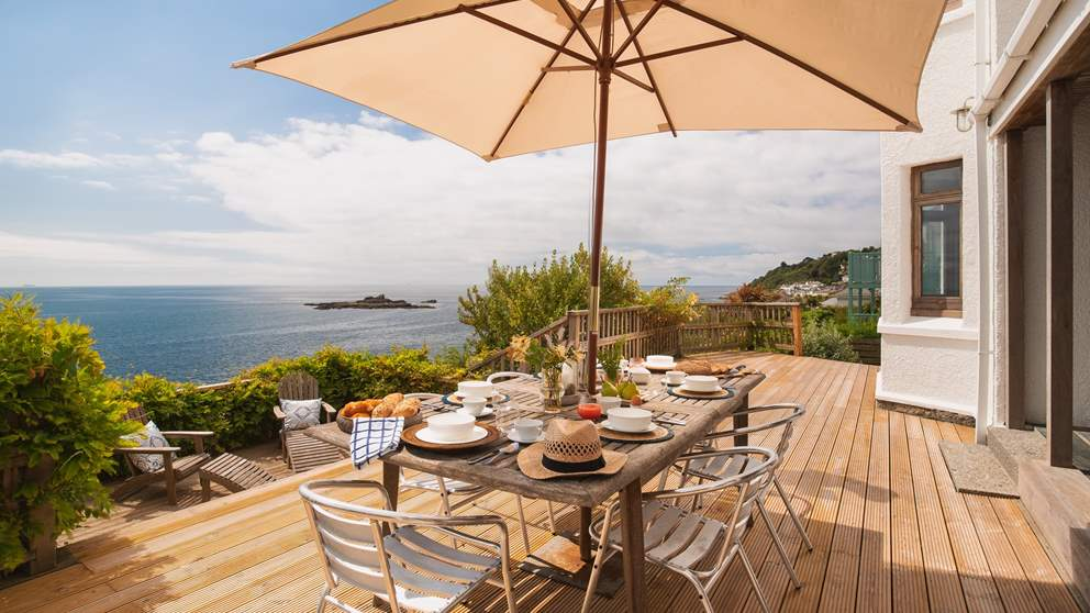 With views like this, every meal will be memorable at Seacrest