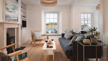 Milton Minor - St Mawes, Sleeps 8 + cot in 4 Bedrooms