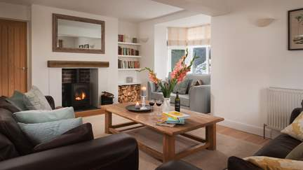 Trevarder House - 3.1 miles W of Polperro, Sleeps 8 + cot in 4 Bedrooms