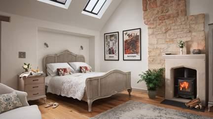 Burghope - 4 miles SE of Bath, Sleeps 2 in 1 Bedroom