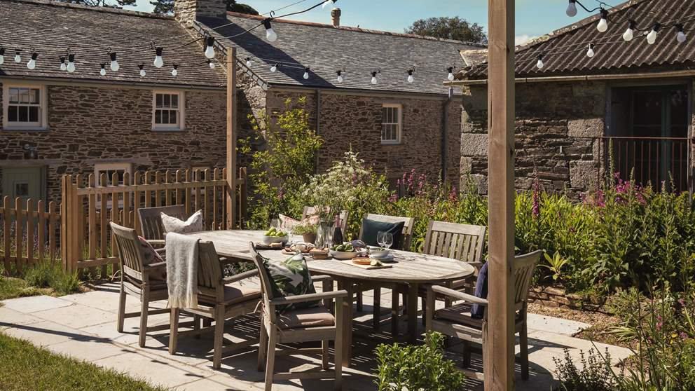 With a barbeque area and large luscious garden, you'll have plenty of space for outdoor living