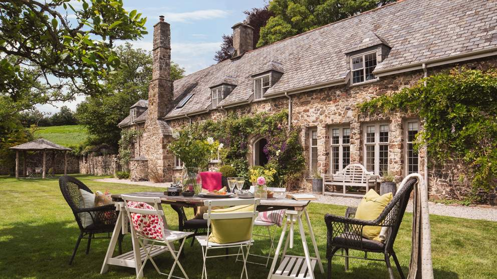 The extensive garden is just perfect for afternoon tea on the lawn