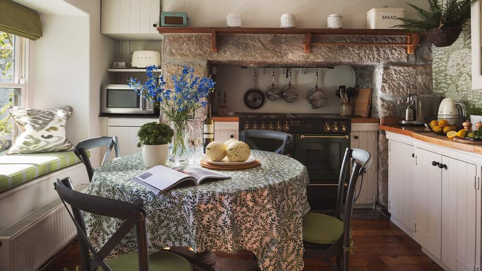 We just love the thoroughly gorgeous country kitchen