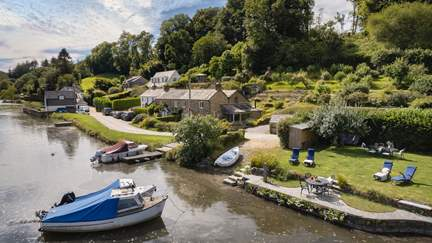 Riverside Cottage - 3.4 miles N of Fowey, Sleeps 6 + cot in 3 Bedrooms