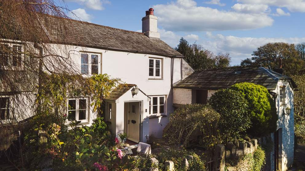 Chocolate-box pretty, this gorgeous Cornish cottage is nestled close to picturesque Bodmin Moor