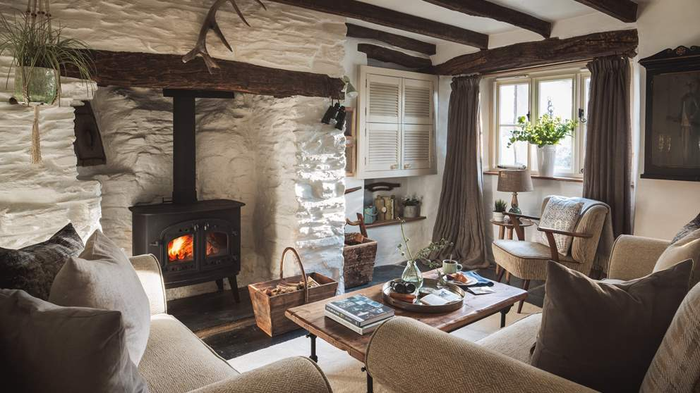 On cooler evenings, light the wood burner and sit back, relaxing with your favourite tipple in hand whilst toes are kept toasty warm