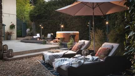 Asteria - 3.2 miles NE of Tavistock, Sleeps 4 + cot in 2 Bedrooms