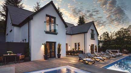 Ardlui Retreat - Loch Lomond, Sleeps 10 + 2 cots in 5 Bedrooms