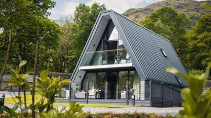 Isla @Ardlui - Loch Lomond, Sleeps 6 + cot in 3 Bedrooms