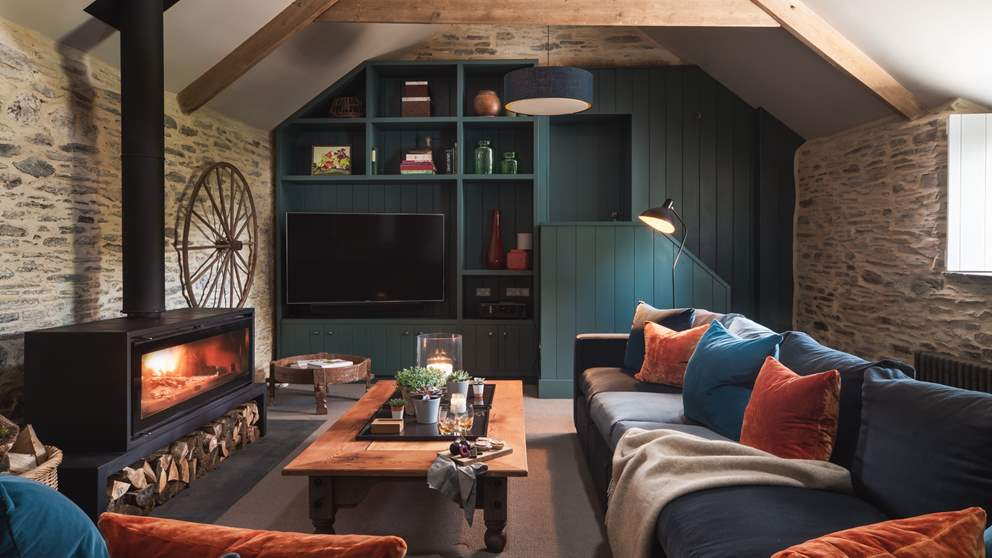 A dreamy spot to hunker down with loved ones after a day of countryside exploring...