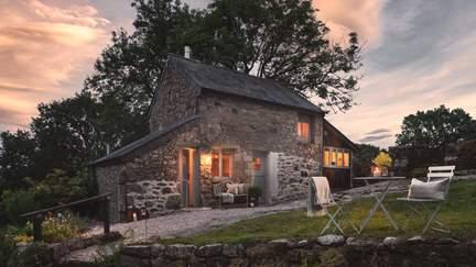 Upper Barn - 1.6 miles SW of Chagford, Sleeps 2 in 1 Bedroom