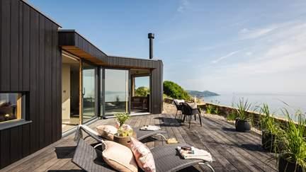 Fika - Whitsand Bay, Sleeps 2 in 1 Bedroom