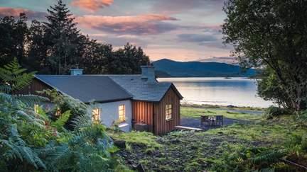 Fern Cottage - Croggan, Sleeps 4 in 2 Bedrooms
