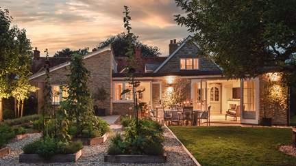 Knapp Cottage - 3.8 miles NW of Sturminster Newton, Sleeps 6 in 3 Bedrooms